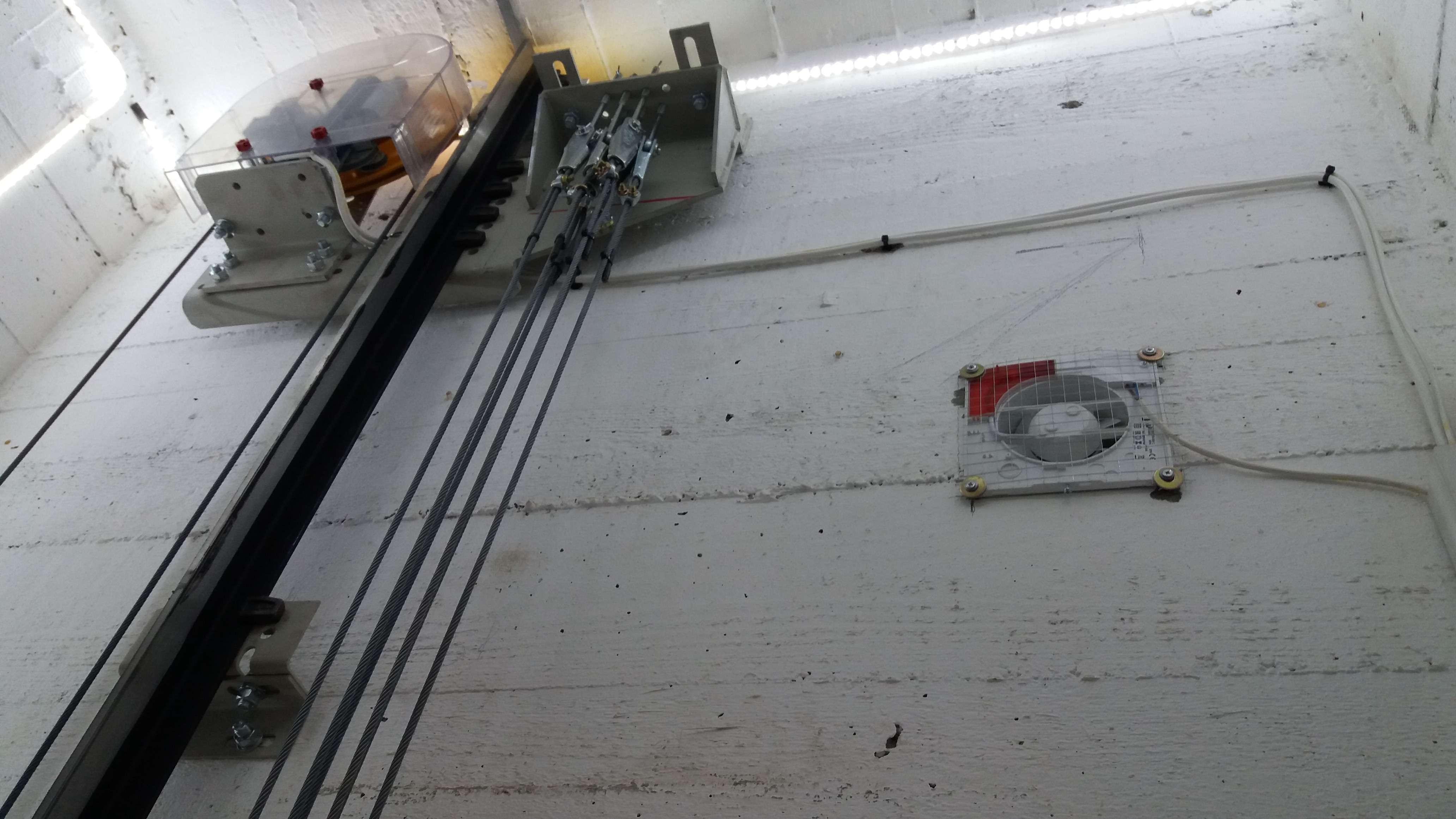 Izrada liftova, montaža, remont, servis lifta - Triplex - YU